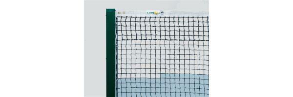 Tennisnetze und Pfosten